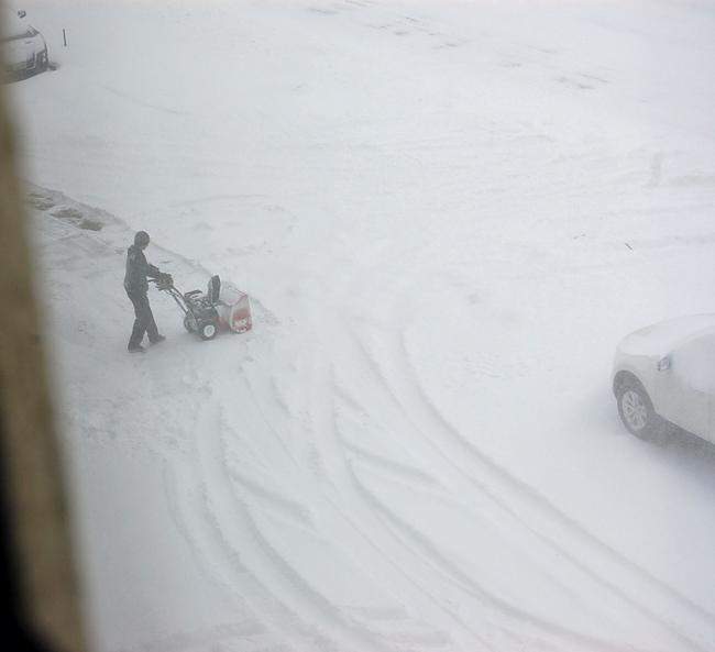 minot_snow_2012_02_26_650px