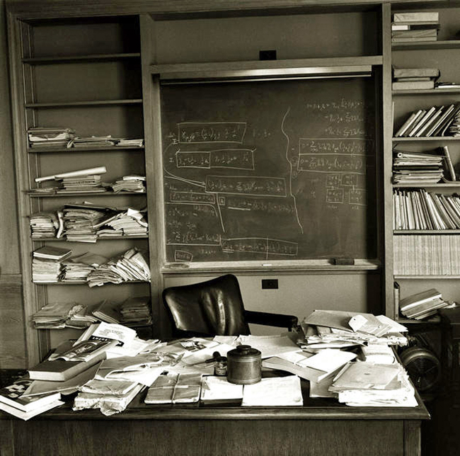 Einstein's desk the day he died