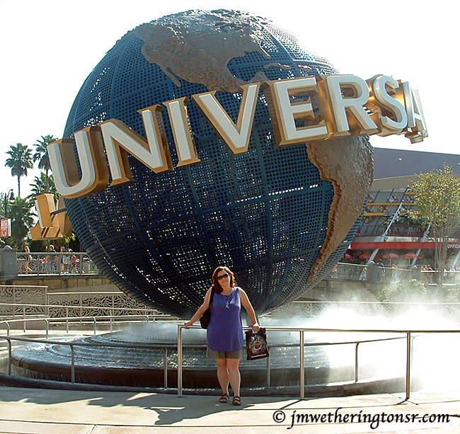 Cindy in front of the Universal Studios revolving globe in 2006.