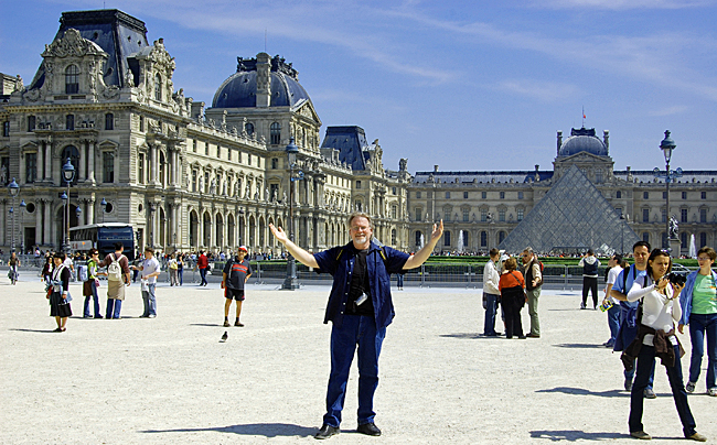 Jeff in front of the Louvre in Paris, May 5, 2007