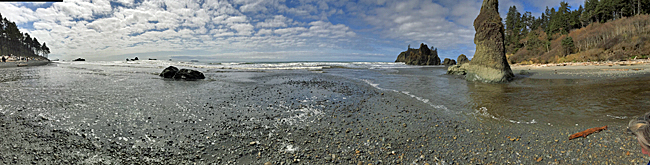 Panorama shot taken from Ruby Beach looking out to the Pacific Ocean.
