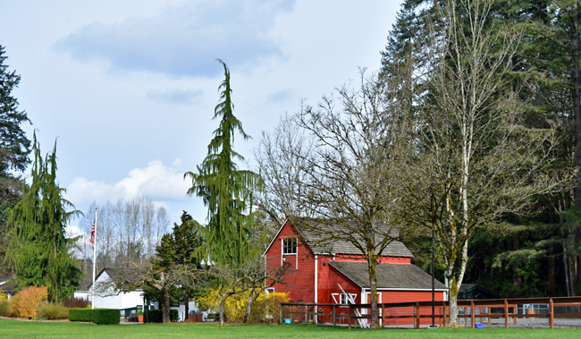 http://www.redmond.gov/ParksRecreation/Farrel-McWhirterFarmPark barn